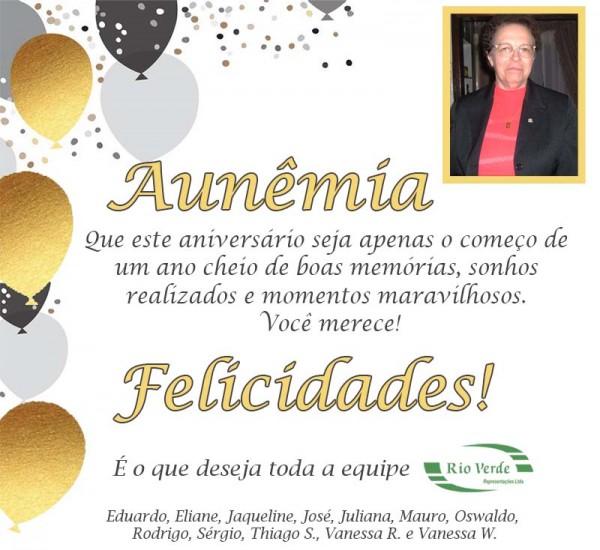 Feliz Aniversário Dna Aunêmia!